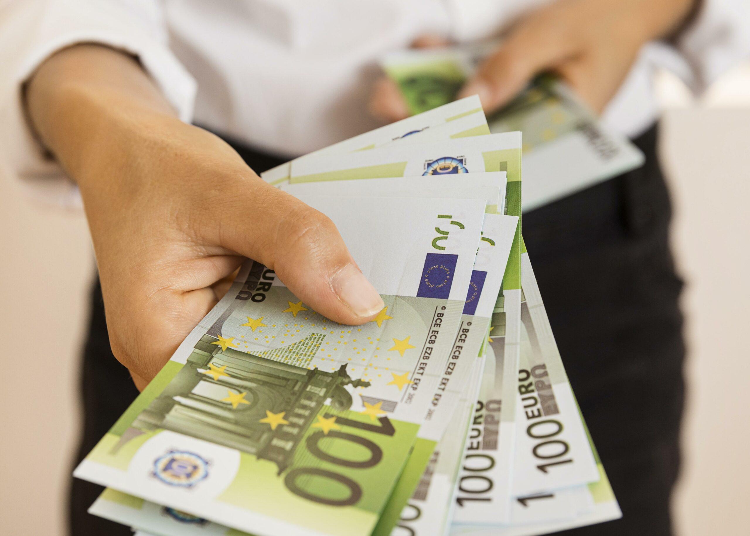 Riciclaggio di denaro e finanziamento al terrorismo, le misure proposte dall'UE